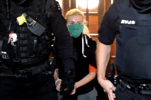 Monika Jankovská zostáva vo väzbe.