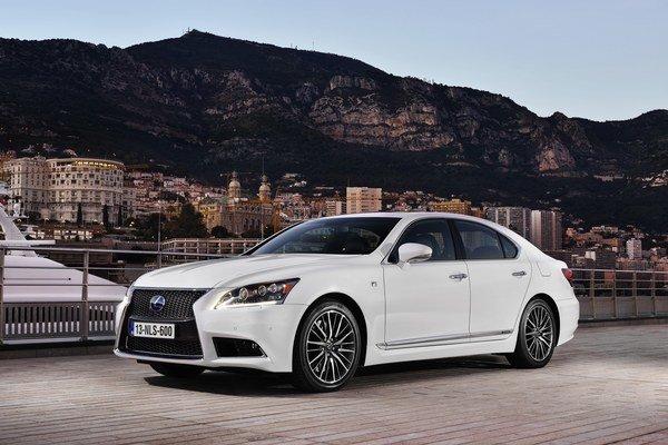 Automobilka Lexus chce o novinkách v modelovom rade Lexus LS informovať po častiach. Prvou z nich je verzia F Sport.