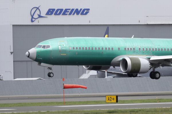Lietadlo Boeing 737 MAX 8 počas testovacieho letu v Seattli v apríli 2019.