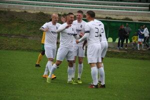 Oravské Veselé sa po stredajšom pohári predviedlo piatimi gólmi.