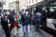 Opatrenia už platili v niektorých častiach Talianska, kde zaznamenali výraznejší nárast nových prípadov.