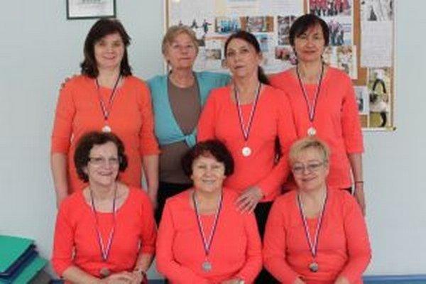 Ocenené členky Gymnasionu Nitra.