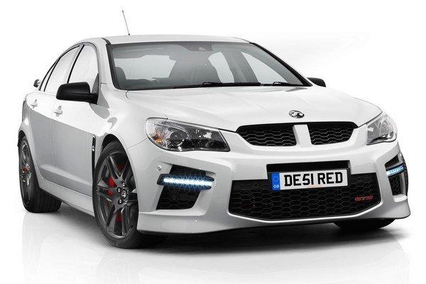 Novinka s technikou najvýkonnejšieho sériového vozidla austrálskeho kontinentu Holdenu VF GTS a pravostranným riadením, je však vyhradená len pre Spojené kráľovstvo.