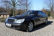 Mercedes-Benz W220 S500, ktorý v rokoch 2004 až 2010 vlastnil Karel Gott.