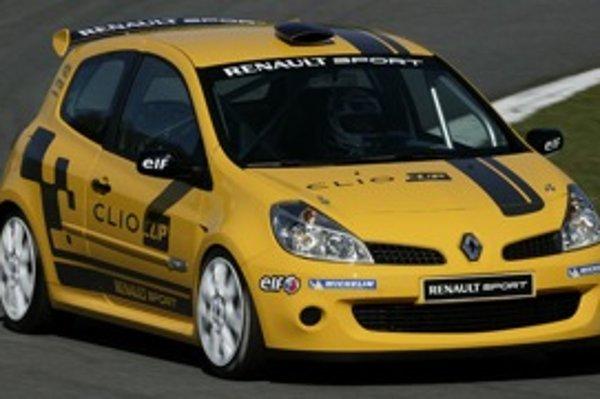 Clio, ktoré má poslúžiť ako vyhľadávač nových talentov, má predpísaný výkon 155 kW (208 koní). Doposiaľ jazdilo pohárové Clio R.S. na pneumatikách Michelin (foto).