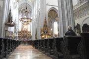 Dóm svätej Alžbety je otvorený na pár hodín denne.