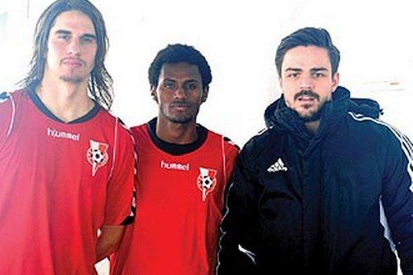 U nováčika II. ligy sa v minulom týždni objavili (zľava) Milan Mujkoš, Novozélanďan Taey a Srb Marko Milulovič.