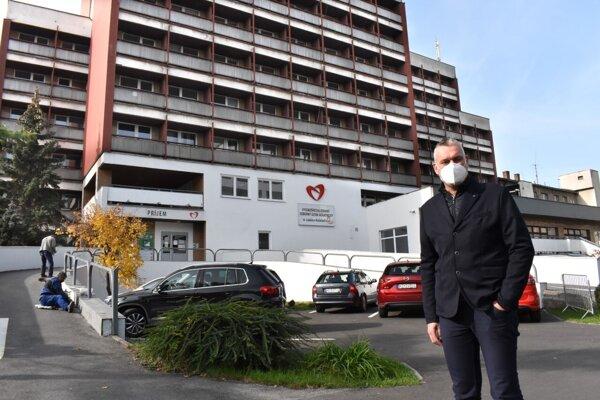 Riaditeľ Juraj Sýkora dúfa, že počet pozitívnych je už na vrchole.