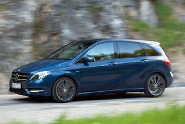 Nový Mercedes triedy B vyzerá štíhlejšie ako predchodca a je priestrannejší. Karoséria sa vyznačuje dobrou aerodynamikou a súčiniteľom odporu vzduchu len 0,26.
