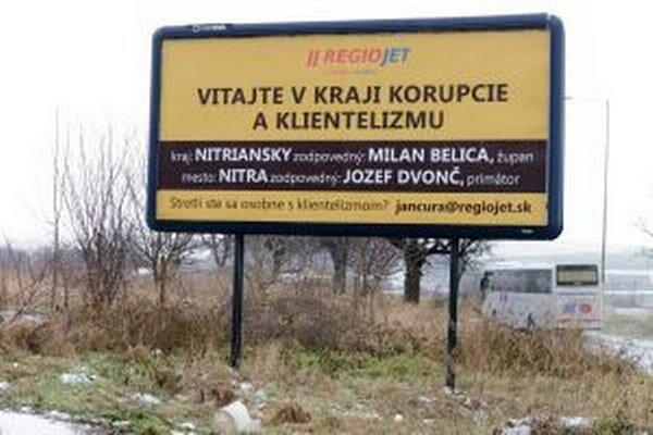 Kampaň spoločnosti - takéto bilbordy sa objavili v Nitre.