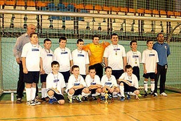 Pred rokom na prvom ročníku halového turnaja mladších žiakov triumfovali chlapci z Čeľadíc.