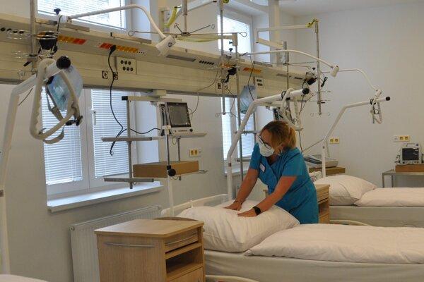 Trstenská nemocnica poskytuje nadštandardné podmienky pre pacientky.