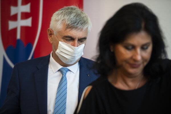 Námestník generálneho prokurátora Jozef Szabó a prvá námestníčka generálneho prokurátora Viera Kováčiková.