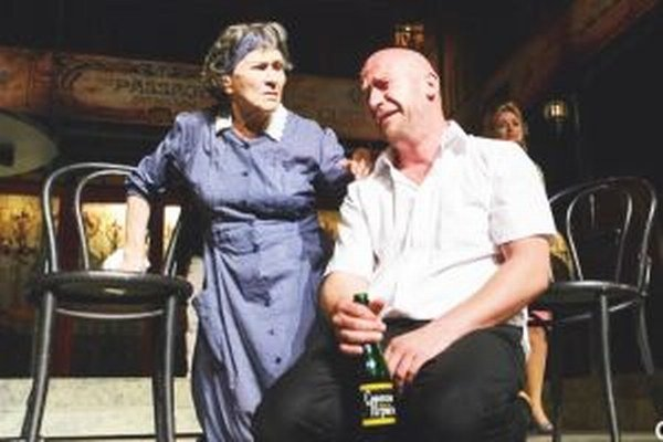 Žofia Martišová s Martinom Nahálkom v predstavení Dievča bez vena.