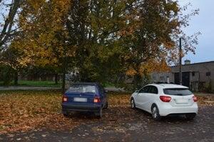 Parkovisko v Čiernej nad Tisou, na ktorom úradoval opitý vodič.