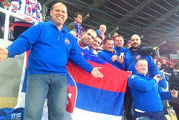 Aj nitrianska skupinka fanúšikov si užívala ďalšie víťazstvo reprezentácie.
