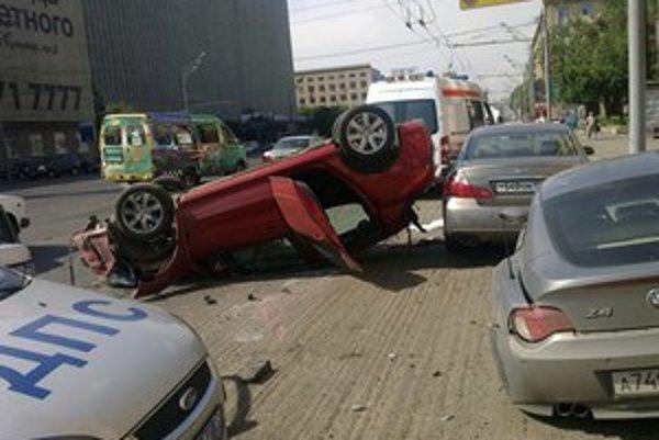 Vodiča, čo v Moskve zabil sedem ľudí, musia strážiť pred hnevom ľudí.