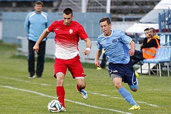 O postup do nadstavby bojujú aj futbalisti Nitry a Serede.