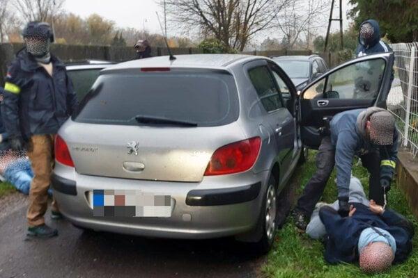 Policajti zadržali 43-ročného drogového dílera zo Žitavian v okrese Zlaté Moravce.