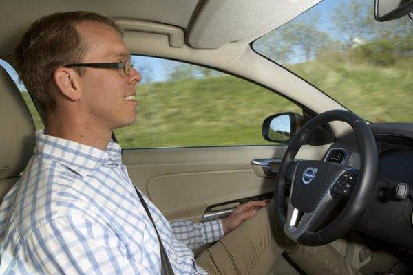 """Pomôže nový asistenčný """"bezpečnostný"""" systém vodičom, alebo budeme opäť o čosi viac nepozorní?"""