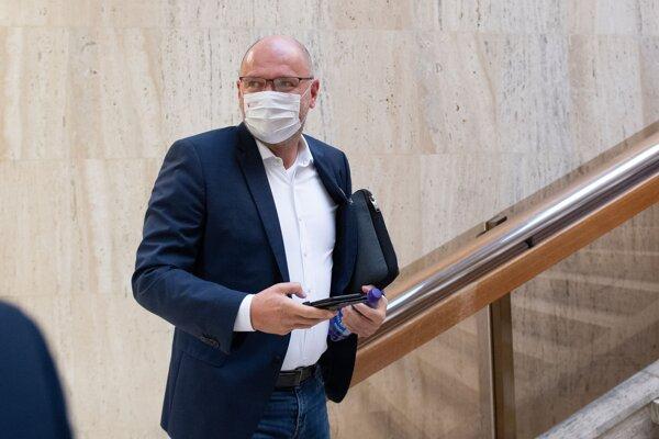 Minister hospodárstva Richard Sulík pred stredajším rokovaním vlády.