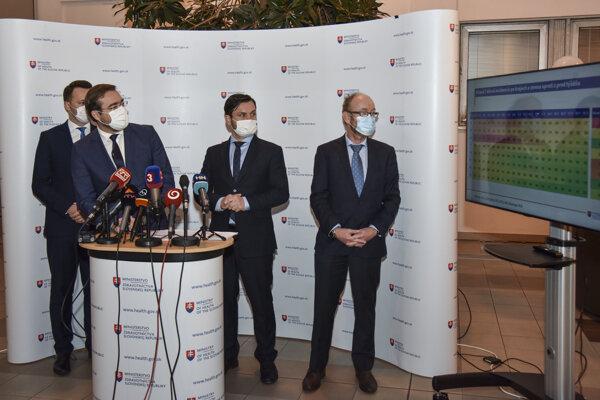 Minister zdravotníctva Marek Krajčí hovorí o aktuálnej epidemiologickej situácii.