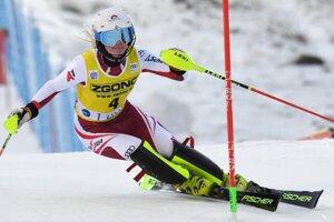 Rakúšanka Katharina Truppeová v 2. kole prvého slalomu novej sezóny Svetového pohára v alpskom lyžovaní žien vo fínskom Levi.
