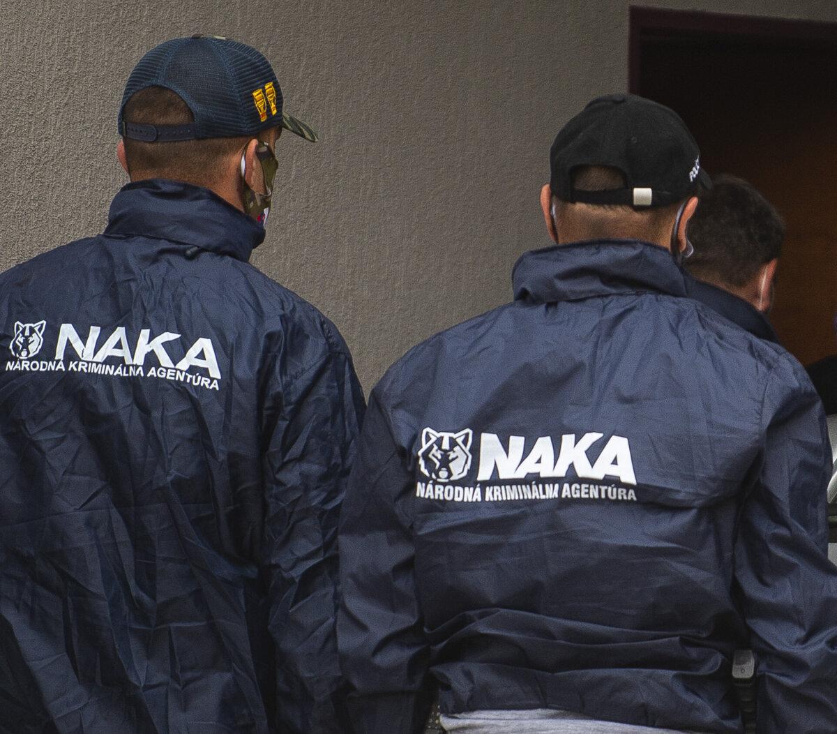 Obvinenie ľudí z NAKA sa týka takáčovcov, vyšetrovatelia prespia v cele - SME
