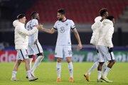 Futbalisti FC Chelsea po víťaznom zápase Ligy majstrov v Rennes.