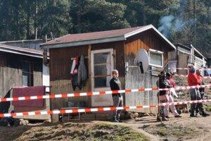 Osada Háj, pre nezodpovedného  suseda ostalo 80 Gelničanov v karanténe.
