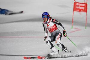 Petra Vlhová vyhráva paralelný obrovský slalom v Lech Zurs 2020.