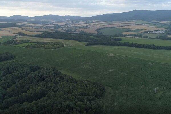 Lokalita pri Čižaticiach, kde urobia prieskumný vrt a v budúcnosti by tu mohol stáť akvapark.
