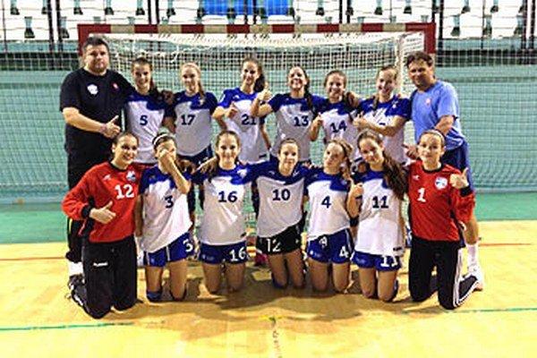 Mladšie dorastenky UDHK Nitra vyhrali prípravný turnaj v Nitre.