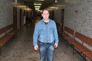 V jednej z pojednávacích miestností na tejto chodbe Krajského súdu Košice si Horváth vypočul rozsudok, že je vinný. Po rokoch sa sem chce vrátiť, aby očistil svoje meno.