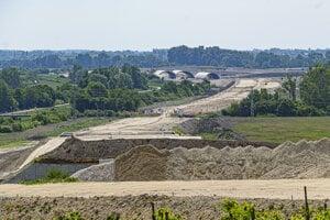 Meškanie projektu rýchlostnej cesty R7 a diaľnice D4 v okolí Bratislavy vyvolalo medzinárodnú arbitráž.