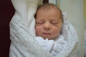 Adrián Korbel (3440 g, 51 cm) sa narodil 23. novembra Martine a Petrovi z Nového Mesta nad Váhom.