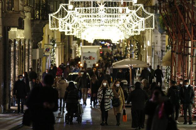 Rimania masívne vyrazili na masívne nákupy, snímka zo 14. decembra.