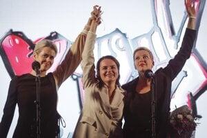 Tri ženy priniesli Bielorusom nádej na zmenu. Cepkalová je vľavo.