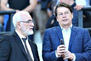 S majiteľom PAOK Solún Ivanom Savvidisom je Micheľ stále v kontakte.
