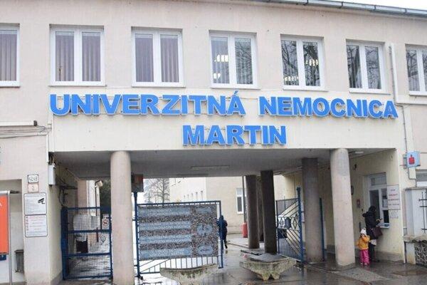 Nemocnica v Martine bojuje s nedostatkom zdravotníkov už od októbra minulého roku.