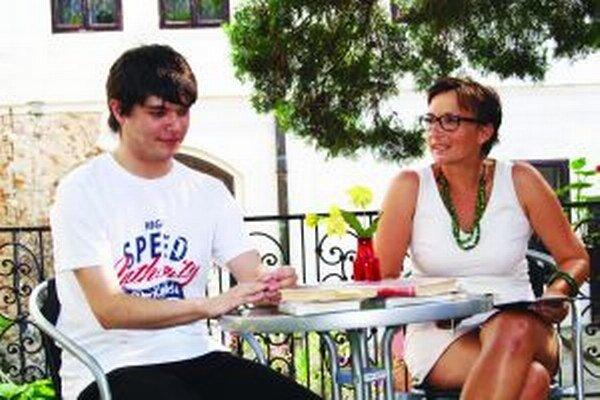 S Marekom Zákopčanom besedovala Niké Čaja z krajskej knižnice v Nitre.