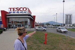 Janette Báreková bojuje o rodinné pozemky, na ktorých Tesco postavilo parkovisko pred svojim hypermarketom.