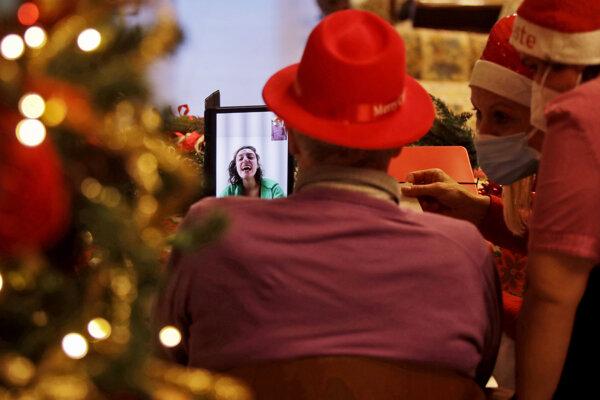 Najbezpečnejšou taktikou ako stráviť tohoročné sviatky, je vyhnúť sa akýmkoľvek rodinným stretnutiam.
