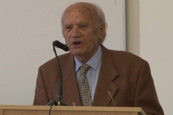 Profesor Ladislav Tajták.