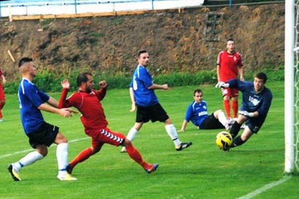 Sereď hladko vyhrala v prípravnom zápase v Močenku 7:0. Tento gól Varhaníka neplatil pre ofsajd.