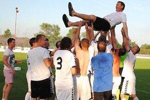 Tréner a manažér Tibor Meszlényi sa ocitol nad hlavami svojich zverencov.