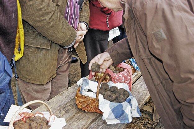 Na trhu vo Francúzsku hľuzovky stále patria medzi žiadané komodity.