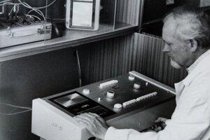 Anton Uherík pri výskumoch.
