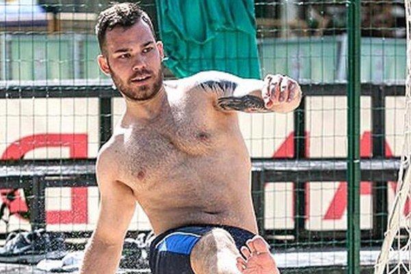 Marek Slovák počas tréningu na nitrianskej pláži.