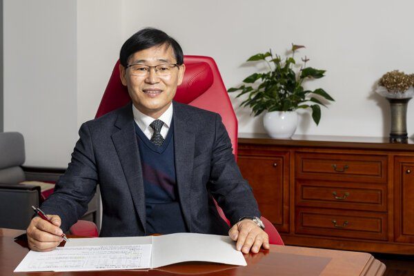 Seok Bong Kim